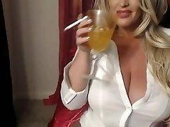 Hot Platinum-blonde Cooter Smokes