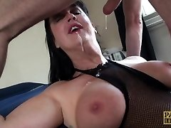 Carnivorous COUGAR Jessie Jo fed with Pascal�s man meat