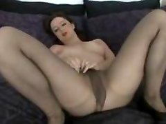 Lovely Gassy Milf in Pantyhose Thumbs
