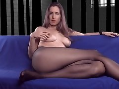Pantyhose mommy chatting