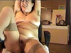 hairy mature woman showcase on cam
