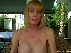 Grannie ORAL JOB From The Pool In The Backyard