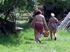 PLUMPER mature garden party