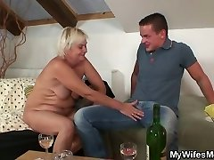 Home soiree with her mom goes highly bad