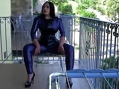 Italy Flat Gorgeous Latex Lady - Blowjob Handjob with Latex Mittens - Cum in my Mouth