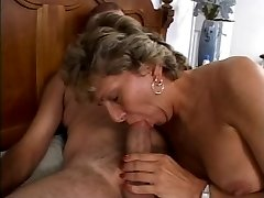Mature is getting her dirty bootie smashed