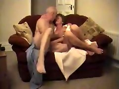 Amateur Wifey Grannies Duo Fucking - LostFucker