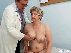 Mature fat muff Ruzena gyno speculum bizzare medical center exam