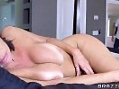 Brazzers - Veronica Avluv - Mom Got Mambos