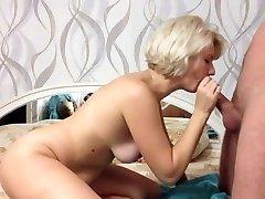 Uber-sexy platinum-blonde give  amazing blowjob