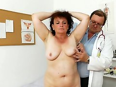 Fal old granny Marsa is explored in medical office by perverted therapist