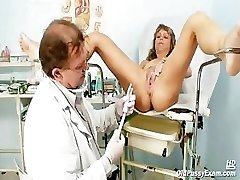 Mature Vladimira gets her pussy properly gyno examined by naughty gyno doctor