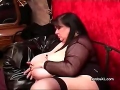 German Emo PLUMPER shows her amazing Boobs
