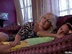 Horny mummy woke up teenie for pussy licking