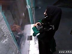 Hot arab mommy Desperate Arab Woman Fucks For