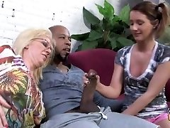 Black creampie for white mummy and daughter
