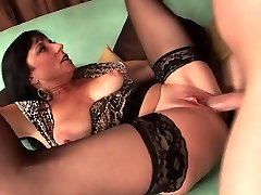 Sexy mature in stockings fucks truly supreme (TOP MATURE)