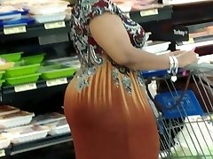 Mature monstrous booty 6