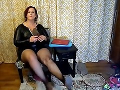 Stunning Mature BBW Try On Kinky Halloween Costumes and Heels