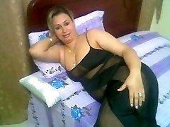 Arab Home Sex - Big Butt Round Ass - Chubby Plus-size Mature Rump