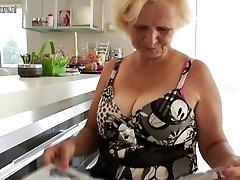 Granny Janice enjoys to get wet and kinky