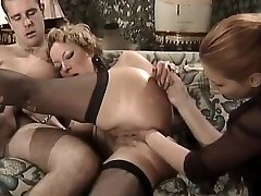POSH MATURE ANAL FISTED AND SMASHED IN THE SAME TIME
