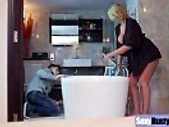 (Leigh Darby) Round Immense Boobs Mommy Enjoy Hard Sex movie-27