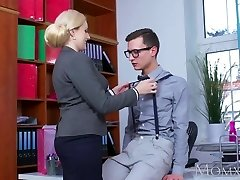 MOM Blonde good-sized tits Milf sucks ginormous geek cock