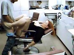 Hairdresser rests on my boner in the parlor