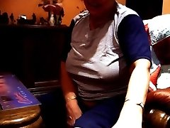 I flashed my  aunty my jizz-shotgun by 'accident' Part 0