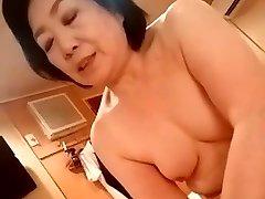 Japanese granny give the handjob