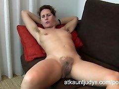47-year old shy Milf Inge widens her legs