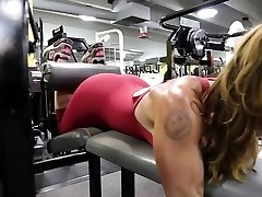 Fitness hot ass red-hot cameltoe 80