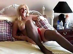 Fucking sexy MILF in fishnet stocking