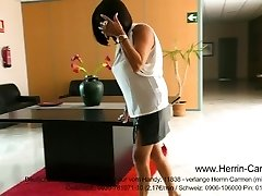 Mature Herrin MILF Femdom in High High-heeled Shoes Pumps und Leder