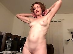 Real first-timer housewife mom feeding her vulva