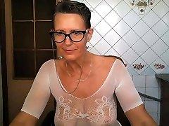 Hot Glasses Housewife.