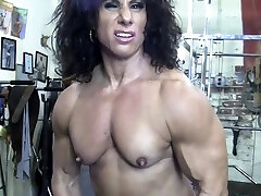 Naked Female Bodybuilder Kiss My Nude Muscles