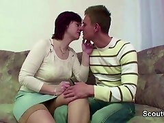 stepmom Caught Step-Stepson And Seduce Him to Bang her