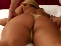 amateur blonde wife massaged by japanese