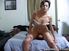 Young boy is hungry over an oldie mistress' dirty bootie hole