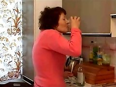 granny fapping with bottle