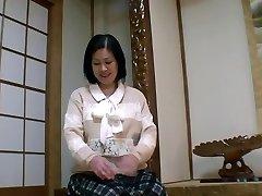 52yr senior Grandmother Toyomi Furui gets Creamed (Uncensored)