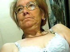 Scrawny Elder Granny does like a Jizz-shotgun
