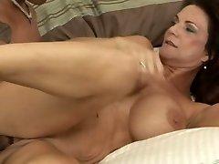 Deauxma penetrate youthful balck dick