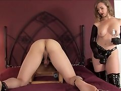 sey mature strapping a youthfull guy with a huge black cock