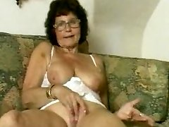 Grannie in Glasses Dildoes