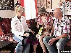 Ops, minu BF leidsid mind threesome tema vanemad