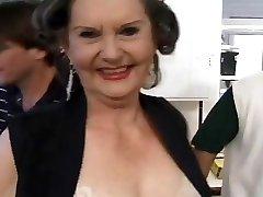 granny sex töötaja