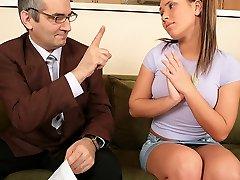 TrickyOldTeacher - Seksikas õpilane on sõrmede ja keppis vanemad küps õpetaja hea